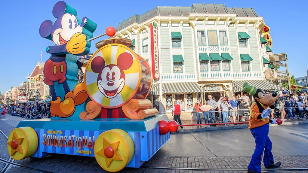 Mickey's Soundsational Parade' Returns to Disneyland Resort
