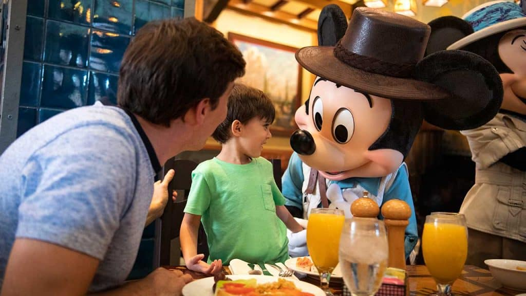 Disneyland Character Dining for little ones