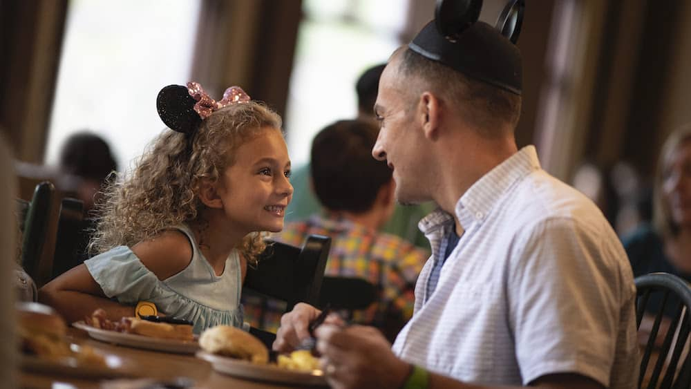 Disney World FREE dining plan for kids (ages 3 to 9)